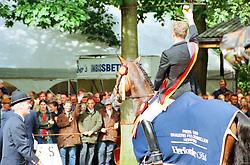 , Warendorf - Bundeschampionate 31.08. - 03.09.2000, Placido 39 - Möller, Ulf  Dr - Championatssieger来