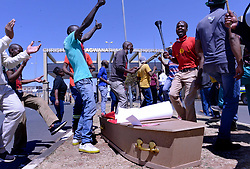 South Africa – Johannesburg – UTT Undertakers strike-14 September 2020. Members of the United Task team for funeral undertakers protest in front of Chris Hani Baragwanath hospital in Soweto. They claim that government is not listening to their plight therefore they are withdrawing some of the services they offer. Picture: Timothy Bernard/African News Agency(ANA)