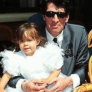 Huwelijk Sandra en John Cerneuf Alkmaar vriendin Herman Brood met dochter Holly