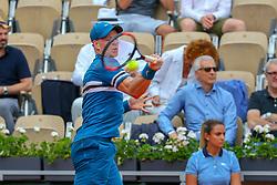 June 2, 2018 - Paris, França - PARIS, IF - 02.06.2018: ROLAND GARROS 2018 - Kyle Edmund (ING) in match against Fabio Fognini (ITA) valid for the tournament of Roland Garros 2018 held in Paris, IF. (Credit Image: © Andre Chaco/Fotoarena via ZUMA Press)