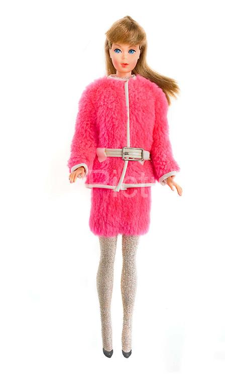 1967 Standard Barbie doll (Snug Fuzz)