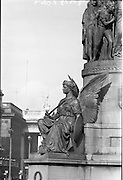 02/03/1962.03/02/1962.02 March 1962.Daniel O'Connell monument on O'Connell Street. Special for Daily Express.