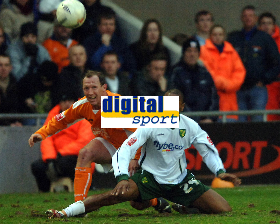 Photo: Paul Greenwood.<br />Blackpool v Norwich City. The FA Cup. 27/01/2007. Blackpool's Andy Morrell (left) and Jurgen Collin battle for the ball