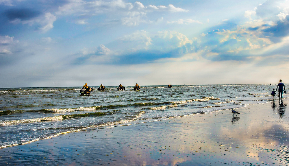 In 2013, UNESCO added Shrimpfishing on horseback in Oostdunkerke to the Unesco representative list of the 'Intangible Cultural Heritage of Humanity'.