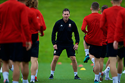 CARDIFF, WALES - Tuesday, September 4, 2018: Wales' head of performance Tony Strudwick during a training session at the Vale Resort ahead of the UEFA Nations League Group Stage League B Group 4 match between Wales and Republic of Ireland. (Pic by David Rawcliffe/Propaganda)