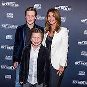"""NLD/Haarlem/20170202 -  Premiere Jeroen van der Boom's show """"Dit ben ik"""", Dany de Wit en hun kinderen Luuk en Daan"""