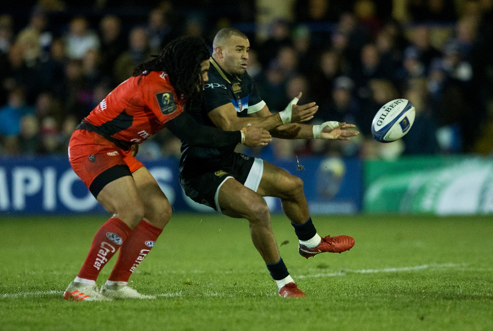 Bath Rugby's Jonathan Joseph evades the tackle of Toulon's Ma'a Nonu<br /> <br /> Photographer Bob Bradford/CameraSport<br /> <br /> European Rugby Champions Cup Pool 5 - Bath Rugby v Toulon - Saturday 16th December 2017 - The Recreation Ground - Bath<br /> <br /> World Copyright © 2017 CameraSport. All rights reserved. 43 Linden Ave. Countesthorpe. Leicester. England. LE8 5PG - Tel: +44 (0) 116 277 4147 - admin@camerasport.com - www.camerasport.com