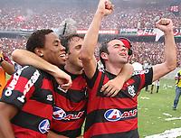 20091206: RIO DE JANEIRO, BRAZIL - Flamengo vs Gremio: Brazilian League 2009 - Flamengo won 2-1 and celebrated the 6th Brazilian Championship of its history. In picture: Flamengo celebrating victory. PHOTO: CITYFILES