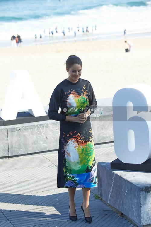 Shailene Woodley attend 'Snowden' photocall at the Kursaal Palace during 64th San Sebastian International Film Festival on September 22 2016 in San Sebastian, Spain.
