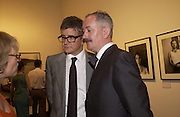 Jay Jopling aand Cerith Wynn-Evans, photo-london at the Royal Academy, 19 May 2004. ONE TIME USE ONLY - DO NOT ARCHIVE  © Copyright Photograph by Dafydd Jones 66 Stockwell Park Rd. London SW9 0DA Tel 020 7733 0108 www.dafjones.com