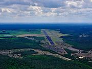 Nederland, Gelderland, Gemeente Ede, 21–06-2020; Veluwe, Vliegbasis Deelen. De basis wordt regelmatig gebruikt voor de Koninklijke Luchtmacht en voor training van de Luchtmobiele Brigade.<br /> Air Base Deelen, north of Arnhem.<br /> <br /> luchtfoto (toeslag op standaard tarieven);<br /> aerial photo (additional fee required)<br /> copyright © 2020 foto/photo Siebe Swart