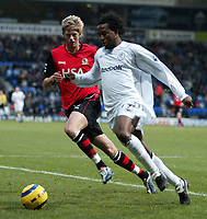 Fotball<br /> Premier League 2004/05<br /> Bolton v Blackburn<br /> 28. desember 2004<br /> Foto: Digitalsport<br /> NORWAY ONLY<br /> BOLTONS RICARDO GARDNER IS CHASED BY BLACKBURNS JOHNATHAN STEAD