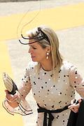 Staatsbezoek van Koning Willem Alexander Koningin Máxima aan de Republiek Polen.<br /> <br /> State visit of King Willem Alexander Queen Máxima of the Republic of Poland.<br /> <br /> Op de foto / On the photo: <br /> <br />  Aankomst van de Koning Willem-Alexander, koningin Maxima en de Poolse president Bronislaw Komorowski met zijn vrouw anna bij het Stanislaw Theater voor Contraprestatie en netwerklunch<br /> <br /> Arrival of ing Willem-Alexander, Queen Maxima and Polish President Bronislaw Komorowski and his wife Anna at the Stanislaw Theatre for the Contraprestatie and networklunch