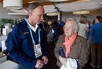 DEN HAAG  - Wiert Doyer met zijn moeder Dalmeijer.  bij World Cup Hockey. COPYRIGHT KOEN SUYK