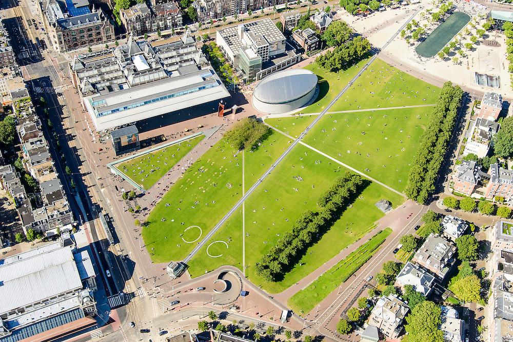 Nederland, Noord-Holland, Amsterdam, 01-08-2016; Museumplein met Stedelijk en Van Gogh Museum, diagonaal de lichtlijn. Aan de Van Baerlestraat Het Concertgebouw. Naast de Nieuwe vleugel van het Stedelijk Museum de ingang van de ondergrondse parkeergarage, het ezelsoor<br /> Overview Amsterdam Museumplein with Stedelijk Museum and Van Gogh Museum.<br /> <br /> luchtfoto (toeslag op standard tarieven);<br /> aerial photo (additional fee required);<br /> copyright foto/photo Siebe Swart