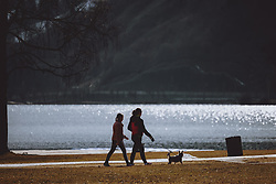 THEMENBILD - zwei Frauen beim Spazierengehen mit ihrem Hund, aufgenommen am 09. Maerz 2021 in Zell am See, Österreich // two women walking with their dog, Zell am See, Austria on 2021/03/09. EXPA Pictures © 2021, PhotoCredit: EXPA/ JFK