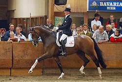 725-Spargo<br /> KWPN Paardendagen Ermelo 2004<br /> Photo © Hippo Foto