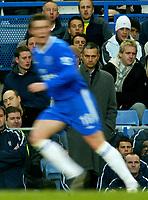 Fotball<br /> Premier League England 2004/2005<br /> 18.12.2004<br /> Foto: BPI/Digitalsport<br /> NORWAY ONLY<br /> <br /> Chelsea v Norwich City<br /> FA Barclays Premiership<br /> 18/12/2004.<br /> <br /> Chelsea boss, Jose Mourinho looks on