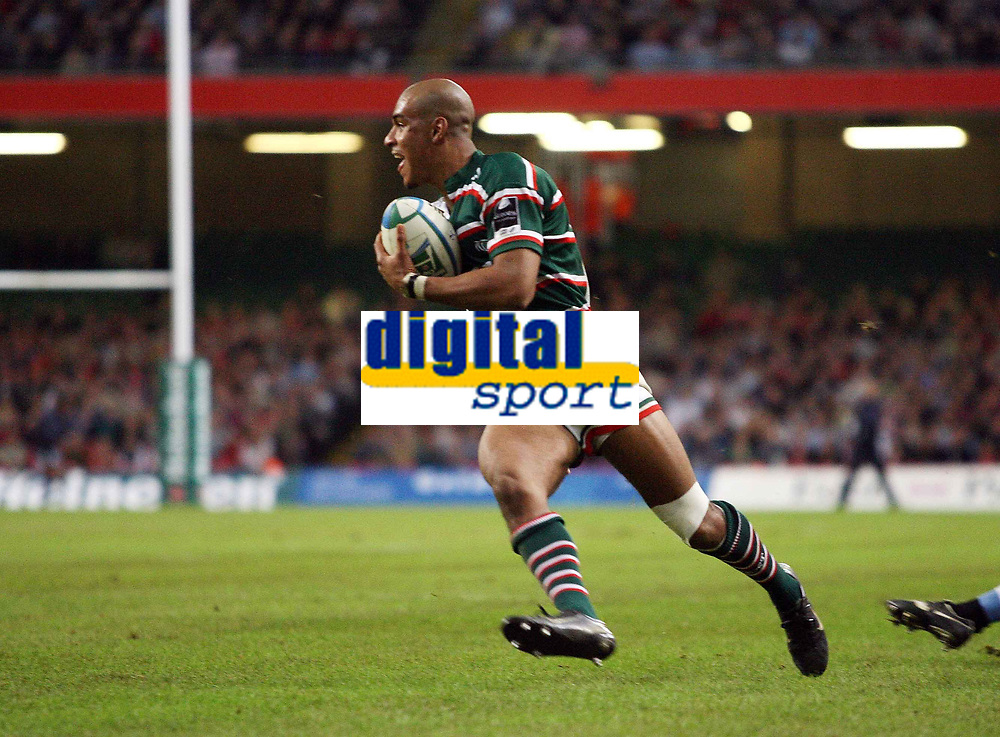 Photo: Rich Eaton.<br /> <br /> Cardiff Blues v Leicester Tigers. Heineken Cup. 29/10/2006.  Tom Varndelll of Leicester Tigers  runs in a try in the first half
