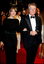 January 28, 2017 - Cannes, France - JOHN HURT ET SON EPOUSE - 64EME FESTIVAL DE CANNES 2011 - MONTEE DU FILM 'ICHIMEI' (Credit Image: © Visual via ZUMA Press)