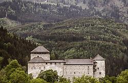 THEMENBILD - die Burg Kaprun umgeben von Wald, aufgenommen am 10. Mai 2018 in Zell am See, Österreich // the castle Kaprun surrounded by forest, Zell am See, Austria on 2018/05/10. EXPA Pictures © 2018, PhotoCredit: EXPA/ JFK