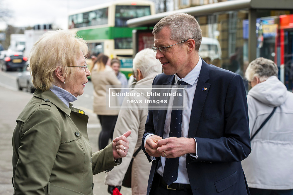 Pictured: Willie Rennie chats to local resident Margaret Rae when in Mussleburgh High Street.<br /> Scottish Liberal  Party leader Willie Rennie joined with local candidates and supporters in Mussleburgh today as part of a whistle stop tour to launch the Scottish Liberal Democrates manifesto for the upcoming council elections<br /> <br /> Ger Harley | EEm 28 February 2017