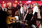 Koningin Maxima met de Grootste Schoolband van Nederland tijdens het Kerst Muziekgala 2018 in de Brabanthallen, Den Bosh.<br /> <br /> Queen Maxima with the Greatest School Band of the Netherlands during the Christmas Music Gala 2018.<br /> <br /> op de foto / On the photo: Koningin Maxima / Queen Maxima