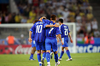 """(L to R) '†'ºr•ã/ Shunsuke Nakamura (JPN), <br /> '†""""c‰pŽõ/Hidetoshi Nakata (JPN),<br /> JUNE 22, 2005 - Football : FIFA Confederations Cup Germany 2005-Group B- between Japan 2-2 Brazil in at the FIFA World Cup Stadium, Cologne, Cologne, Germany. <br /> (Photo by AFLO SPORT/Digitalsport<br /> Norway only"""