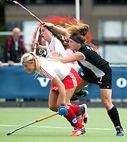 BREDA (Neth.)  Tessa Jopp (r) of NZ with Mollie Rawnsley (l) of England during the match  New Zealand vs England U21 women . Volvo Invitational Tournament U21. COPYRIGHT KOEN SUYK