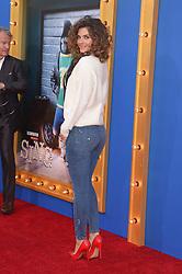 Maria Menounos bei der Premiere von Sing in Los Angeles / 031216