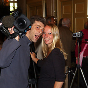 NLD/Amsterdam/20050611 - Photocall Madagascar, cameraman en verslaggeefster SBS Shownieuws