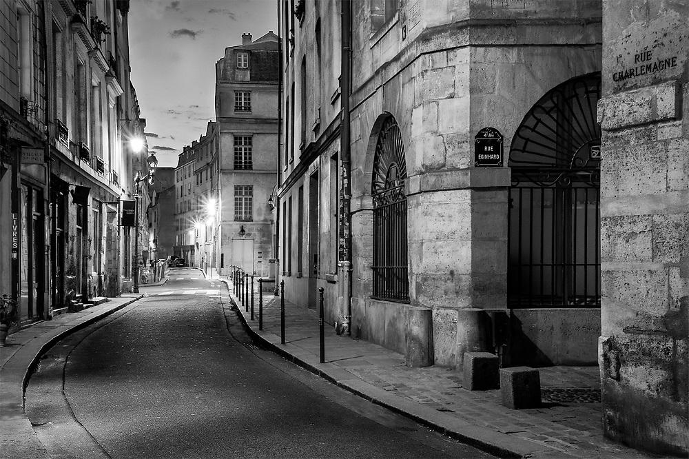 Rue Charlemagne, Paris, France