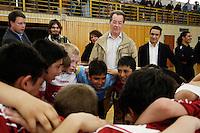 """23 APR 2006, BERLIN/GERMANY:<br /> Franz Muentefering, SPD, Bundesarbeitsminister, waehrend  der Siegerehrung, Kiez-Fussballturnier """"Xhain kickt"""", 3. SPD Fussballturnier fuer E-Jugend mit acht Mannschaften aus Friedrichshain-Kreuzberg, Lobeckhalle, Berlin-Kreuzberg<br /> IMAGE: 20060423-01-032<br /> KEYWORDS: Fußball, Jugendliche, Kinder"""