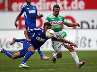 BILDET INNGÅR IKKE I NOEN FASTAVTALER. ALL NEDLASTING BLIR FAKTURERT.<br /> <br /> Fotball<br /> Tyskland<br /> Foto: imago/Digitalsport<br /> NORWAY ONLY<br /> <br /> Fussball, 2. BL, 2. Bundesliga, Saison 2015 2016, Herren, Deutschland, 25.7.2015 SpVgg Greuther Fürth - Karlsruher SC 1-0, v.l. Aktion, Zweikampf, Spielszene, action, Manuel Gulde, Karlsruhe, Veton Berisha, SpVgg Greuther Fürth,