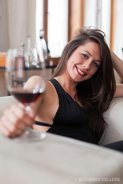 Portrait of Sommelier Rachel Kerswell