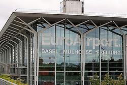 THEMENBILD - Aussenansicht, Aussen, Logo, aufgenommen am EuroAirport Basel-Mülhausen-Freiburg, Frankreich am 11.08.2014 // Feature of the EuroAirport Basel Mulhouse Freiburg, France on on 2014/08/11. EXPA Pictures © 2014, PhotoCredit: EXPA/ Eibner-Pressefoto/ Fleig<br /> <br /> *****ATTENTION - OUT of GER*****