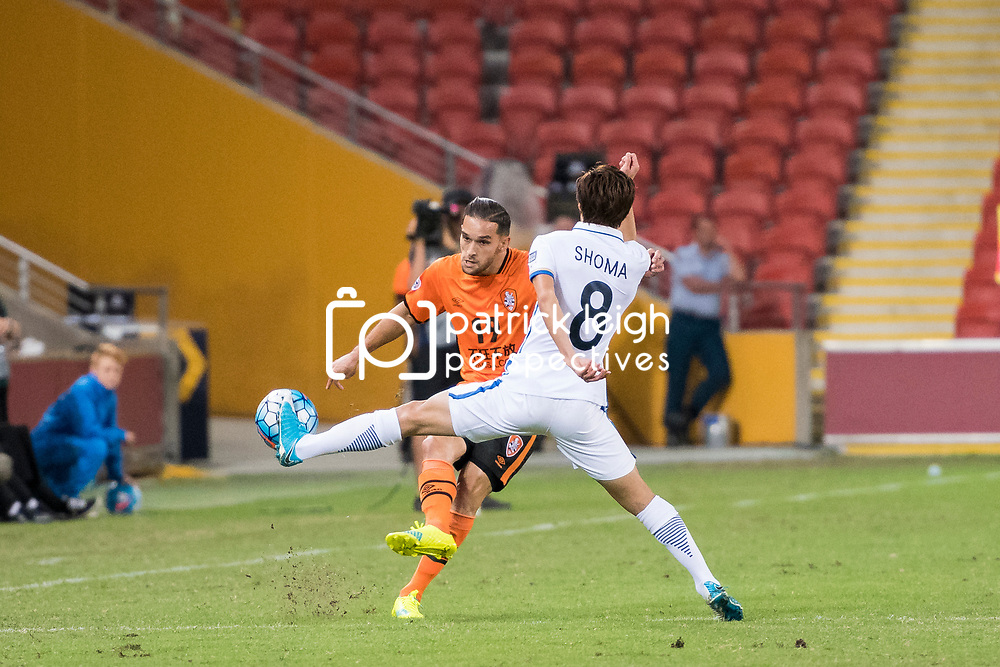 BRISBANE, AUSTRALIA - APRIL 12: Jack Hingert of the Roar has his pass blocked by Doi Shouma of Kashima during the Asian Champions League Group Stage match between the Brisbane Roar and Kashima Antlers at Suncorp Stadium on April 12, 2017 in Brisbane, Australia. (Photo by Patrick Kearney/Brisbane Roar)