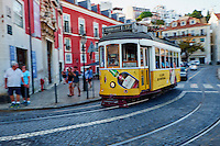 Portugal, Lisbonne, quartier de Baixa pombalin, tramway // Portugal, Lisbon, tram in Baixa pombalin