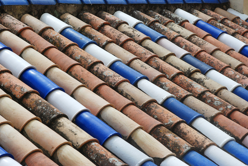 Fabulous texture of a clay pot roof in central Seville, Spain.