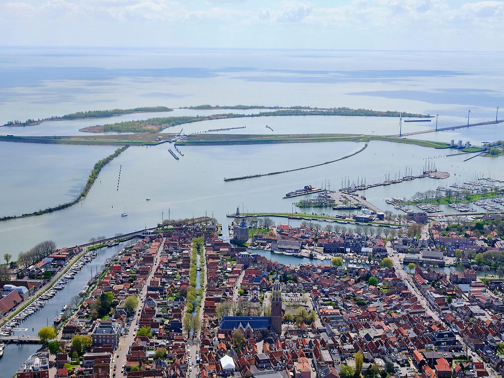 Nederland, Noord-Holland, Enkhuizen, 07-05-2021; binnenstad Enkhuizen met Oosterhaven.<br /> luchtfoto (toeslag op standard tarieven);<br /> aerial photo (additional fee required)<br /> copyright © 2021 foto/photo Siebe Swart