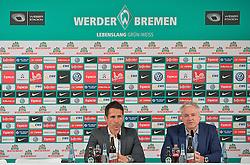 19.03.2013, Weserstadion, Bremen, GER, 1.FBL, Pressekonferenz SV Werder Bremen, im Bild, von links, der leere Stuhl von Thomas Schaaf (Ex-Trainer Werder Bremen), Thomas Eichin (Geschaeftsfuehrer Sport, SV Werder Bremen) und Tino Polster (Mediendirektor Werder Bremen) bei der Pressekonferenz zur Trennung von Thomas Schaaf (Trainer Werder Bremen) // during the press conference of the German Bundesliga Club SV Werder Bremen at the Weserstadion, Bremen, Germany on 2013/05/15. EXPA Pictures © 2013, PhotoCredit: EXPA/ Andreas Gumz ***** ATTENTION - OUT OF GER *****
