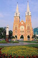 Vietnam. Ho Chi Minh-Ville (Saigon). Cathédrale Notre Dâme. // Vietnam. Ho Chi Minh City (Saigon). Notre Dame cathedrale