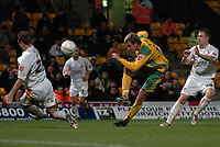 Photo: Ashley Pickering.<br /> Norwich City v Blackpool. The FA Cup. 13/02/2007.<br /> Chris Brown of Norwich drives in a shot
