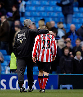 Photo: Jed Wee.<br /> Manchester City v Sunderland. The Barclays Premiership. 05/03/2006.<br /> <br /> Sunderland manager Mick McCarthy (L) has a consoling arm on Grant Leadbitter after an all too familiar Sunderland loss.