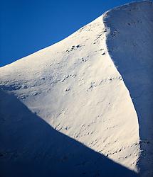 THEMENBILD - Auschnitt eines Berghanges auf der Grossglockner Hochalpenstrasse. Sie verbindet die beiden Bundeslaender Salzburg und Kaernten mit einer Laenge von 48 Kilometer und ist als Erlebnisstrasse vorrangig von touristischer Bedeutung, aufgenommen am 26. Oktober 2015, Bruck a.d. Glocknerstrasse, Oesterreich // Mountain Detail. The Grossglockner High Alpine Road connects the two provinces of Salzburg and Carinthia with a length of 48 km and is as an adventure road priority of tourist interest at Bruck a.d. Glocknerstrasse, Austria on 2015/10/26. EXPA Pictures © 2015, PhotoCredit: EXPA/ JFK