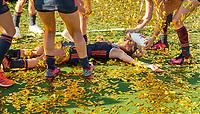 ANTWERPEN -  Oranje wint goud. Maria Verschoor (Ned) tussen de gouden confettisnippers. .  De finale  dames  Nederland-Duitsland  (2-0) bij het Europees kampioenschap hockey.   COPYRIGHT  KOEN SUYK