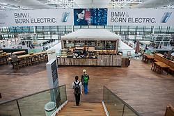 THEMENBILD - Airport Muenchen, Franz Josef Strauß (IATA: MUC, ICAO: EDDM), Der Flughafen Muenchen zählt zu den groessten Drehkreuzen Europas, rund 100 Fluggesellschaften verbinden ihn mit 230 Zielen in 70 Laendern, im Bild Innenansicht Terminal 2, Imbissstand // THEME IMAGE, FEATURE - Airport Munich, Franz Josef Strauss (IATA: MUC, ICAO: EDDM), The airport Munich is one of the largest hubs in Europe, approximately 100 airlines connect it to 230 destinations in 70 countries. picture shows: Interior view of Terminal 2, snack bar, Munich, Germany on 2012/05/06. EXPA Pictures © 2012, PhotoCredit: EXPA/ Juergen Feichter