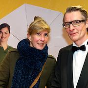 NLD/Amsterdam/20180212 - Premiere Gek op Oranje, Nicole van Kilsdonk en partner