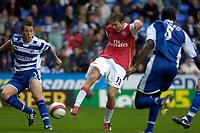 Photo: Daniel Hambury.<br />Reading v Arsenal. The Barclays Premiership. 22/10/2006.<br />Arsenal's Alex Hleb scores.0-2.