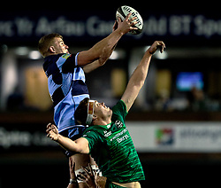 George Earle of Cardiff Blues claims the lineout<br /> <br /> Photographer Simon King/Replay Images<br /> <br /> Guinness PRO14 Round 14 - Cardiff Blues v Connacht - Saturday 26th January 2019 - Cardiff Arms Park - Cardiff<br /> <br /> World Copyright © Replay Images . All rights reserved. info@replayimages.co.uk - http://replayimages.co.uk